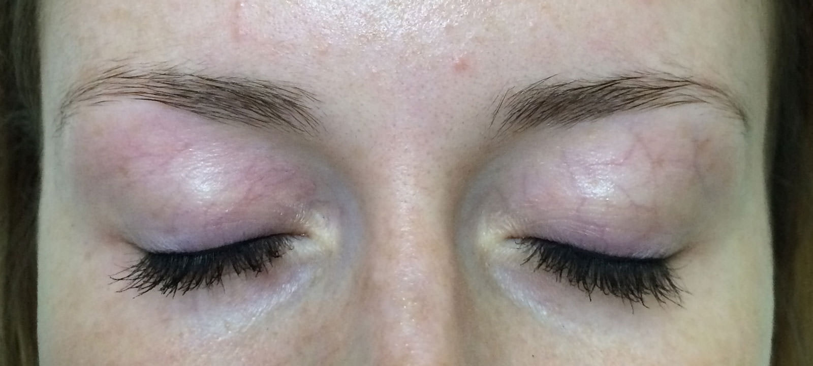 mauillage-permanent-sourcils-blonds-avant